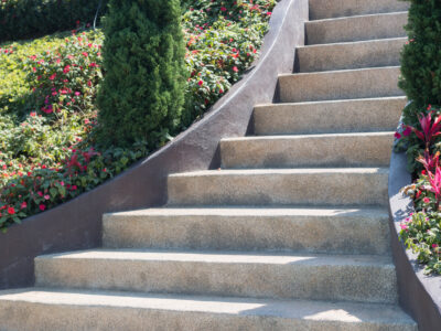 This is a picture of an outdoor concrete staircase.